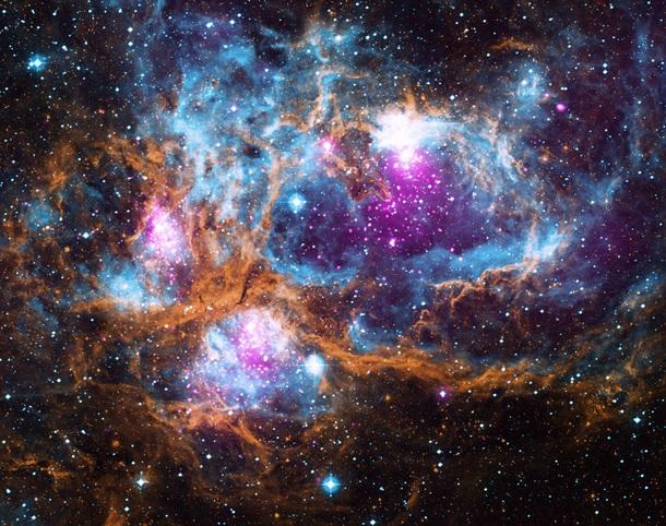 NASA показало снимок «космической магической страны»