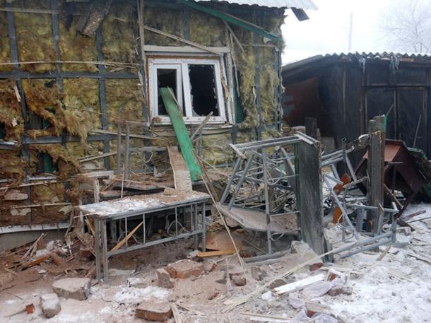 Силовики ВСУ разбомбили нелегальной артиллерией Храм своскресной школой вДебальцево