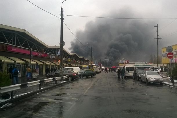 ВКиеве пламенеют торговые ряды секонд хенда вДеснянском районе