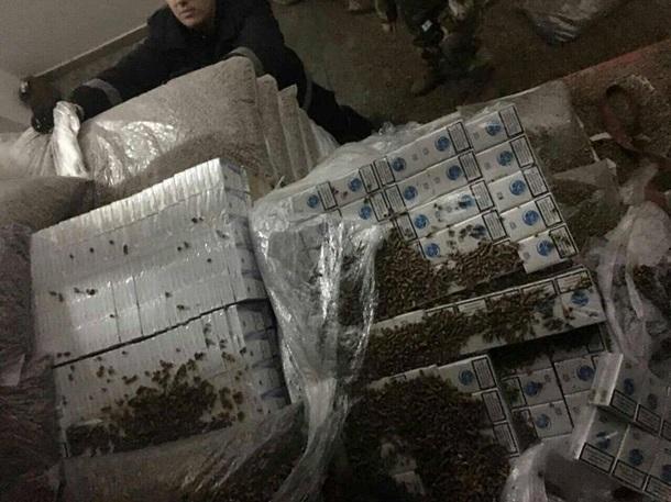 Таможенники задержали рекордную партию контрабанды сигарет