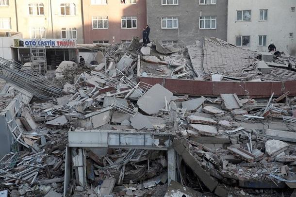 Шестиэтажное строение обрушилось вСтамбуле