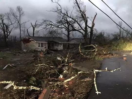 Торнадо вСША, четверо погибших