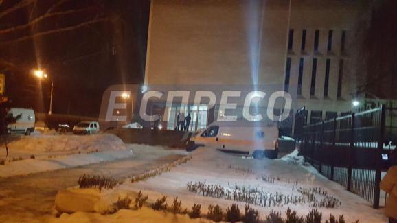 ВКиеве работник СБУ выстрелил себе вголову