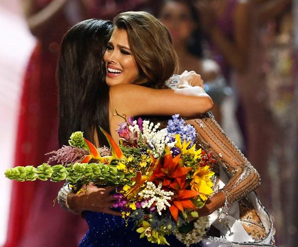 Титул «Мисс Вселенная» завоевала 23-летняя француженка, которая обучается нахирурга-стоматолога