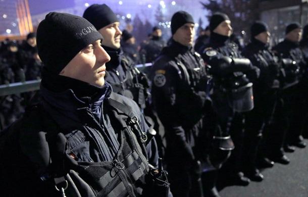 4 человека пострадали впроцессе многотысячных митингов вБухаресте