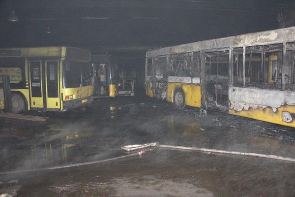 Врезультате сильного возгорания вавтобусном парке столицы Украины повреждены 6 автобусов