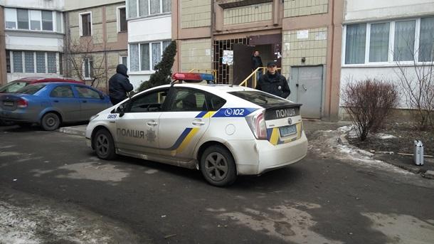ВКиеве между полицейскими и 2-мя мужчинами произошел конфликт, который завершился стрельбой