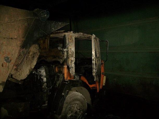 Боевики обстреляли автомобильный парк агрохолдинга наДонбассе
