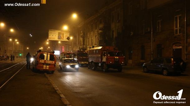 Сегодня ночью вцентре Одессы снова горел «Лото Маркет»