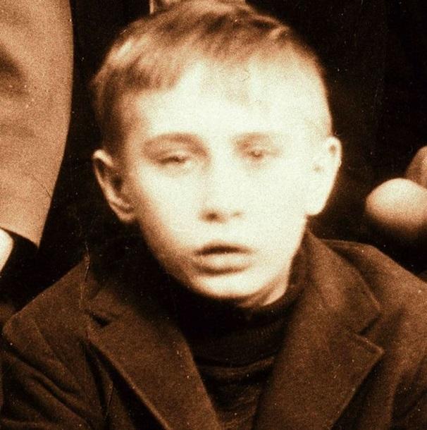 Путин вырос среди голодных детей вхалупе, где охотился накрыс,