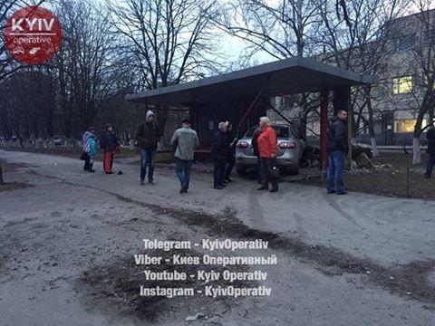 ВКиеве Рено  врезался востановку
