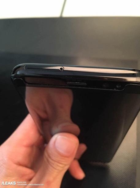 Samsung Galaxy S8 и S8 Plus показали на фото