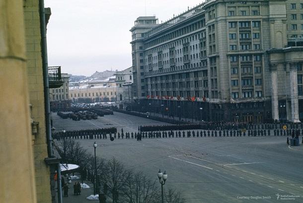 Размещено цветное видео спохорон Сталина, снятое военным США