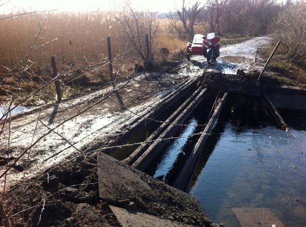 ВЛуганской области боевики взорвали мост