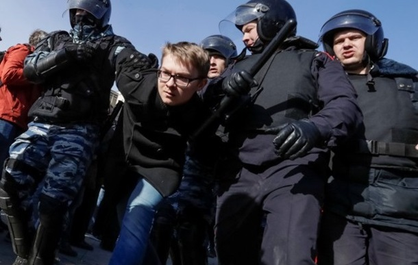 Рассказывают задержанные в Москве на акции против коррупции