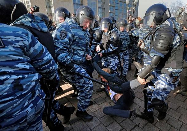Навальный оштрафован иарестован на15 суток занеповиновение милиции