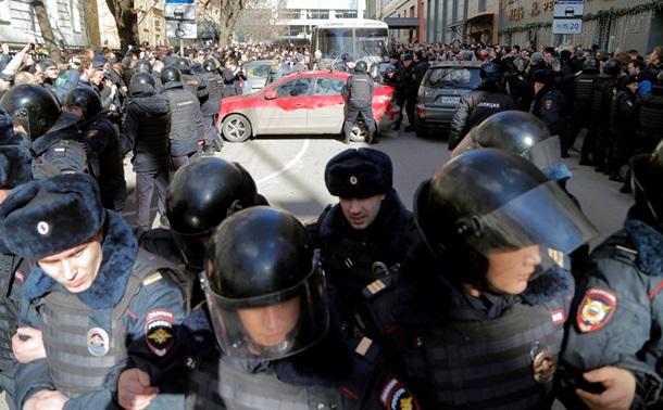 Руководителя избирательного штаба Навального арестовали на10 суток