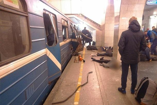 У Санкт-Петербурзі вибух в метро, є жертви (відео)