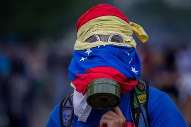 Протесты в Венесуэле: пострадали около 60 человек