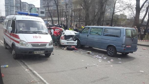 Кошмарное ДТП вДнепре: столкнулись три автомобиля, есть погибший