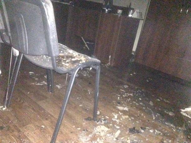 НаДніпропетровщині двічі ліквідували пожежу вприміщеннях політичної партії
