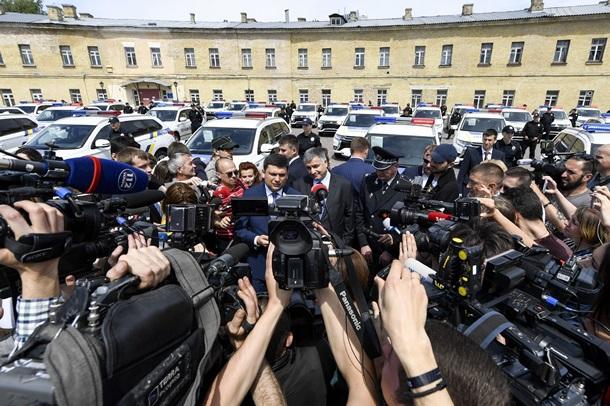 Национальная милиция Украины получила 635 новых служебных авто