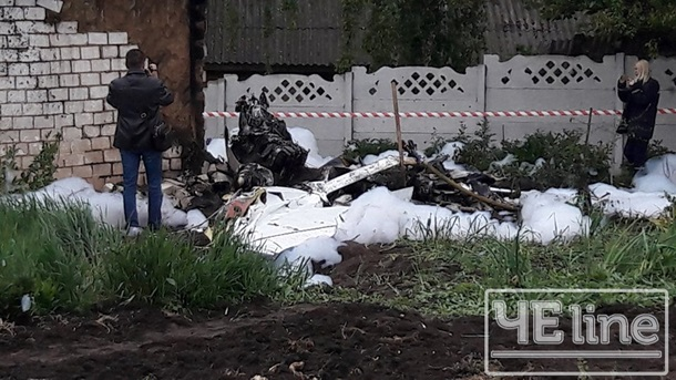 На Черниговщине самолет упал в частный двор