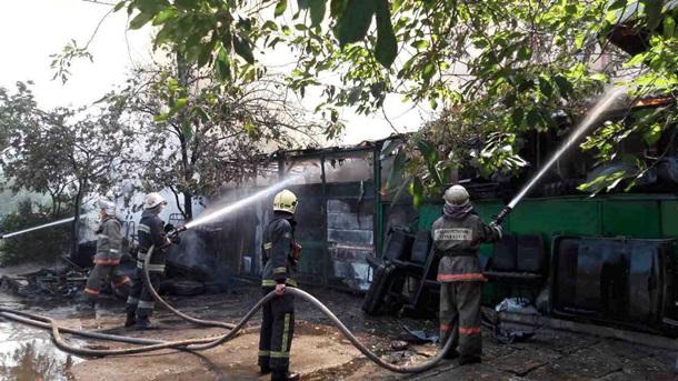 ВКиеве сгорел двухэтажный дом после мощного взрыва