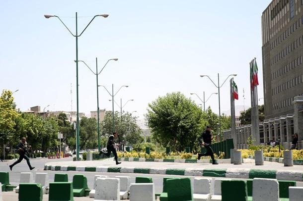Упарламенті Ірану сталася стрілянина, є поранені - ЗМІ