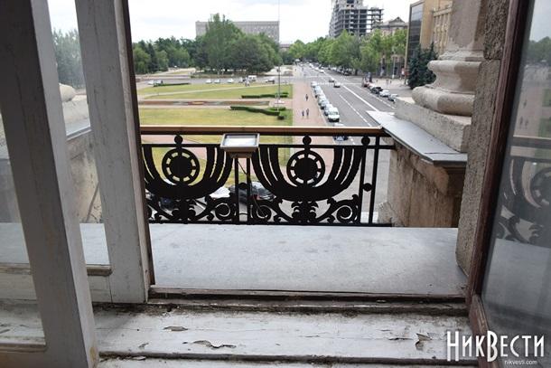 Мэр Николаева сбежал от полиции через балкон кабинета