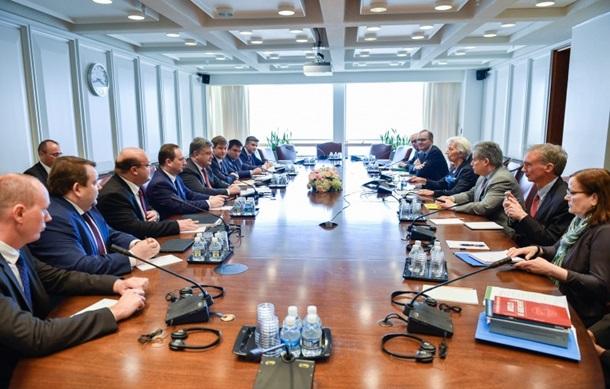 Порошенко обсудил с Лагард пенсионную реформу