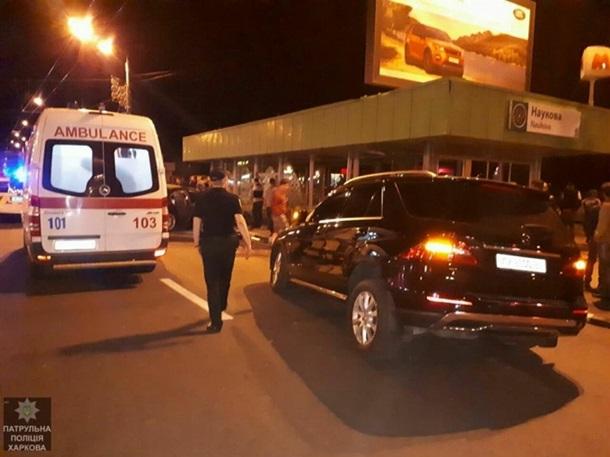Авария вцентре: трое пострадавших, разбит выход изметро