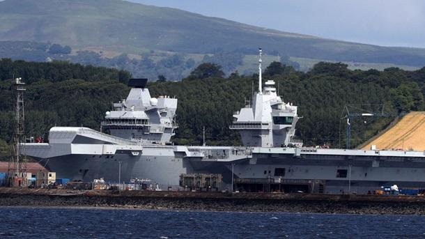 Наибольший корабль ВМС Великобритании впервый раз выйдет вморе