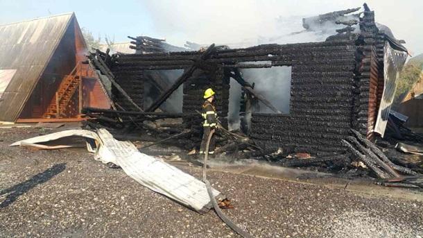 На Закарпатье сгорела база отдыха