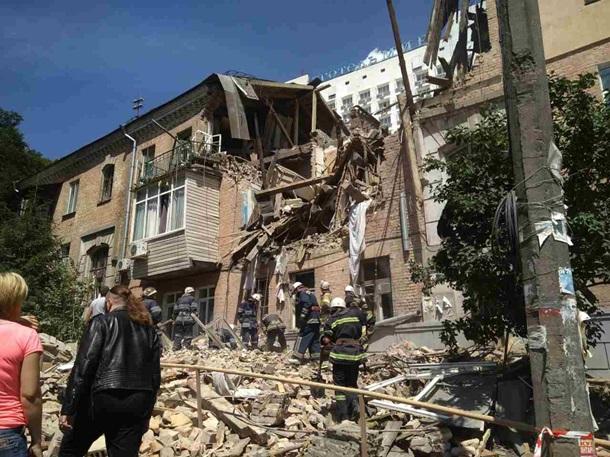 УГолосіївському районі Києва стався вибух убудинку