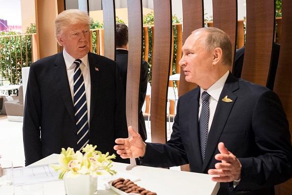 Трамп не повірив. Резюме першої зустрічі з Путіним