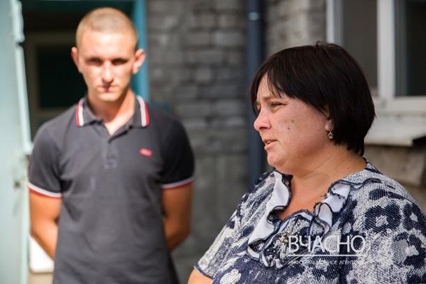 НаДонеччині батька тасина жорстоко побили заукраїнські погляди