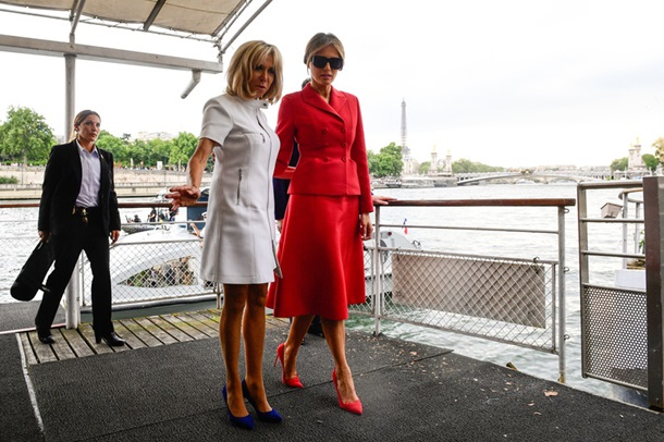 Трамп похвалил физическую форму жены Макрона