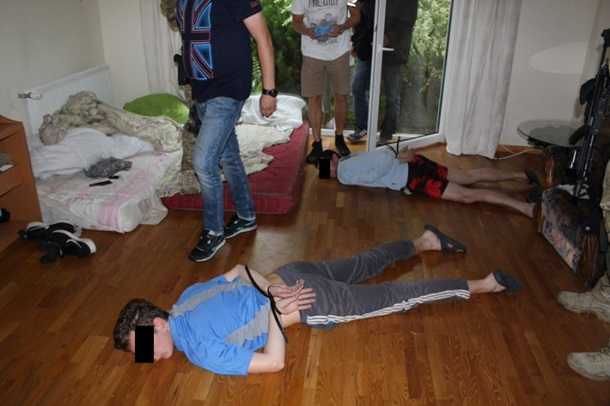 УПольщі затримали двох українців за підпільну тютюнову фабрику