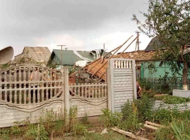 УКривому Розі внаслідок урагану пошкоджено покрівлю 201 будинку