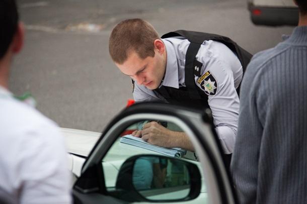 ВДнепре шофёр выстрелил внаркомана, который пробежал поего Инфинити