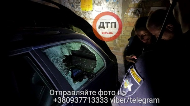ВКиеве неизвестные разбили иобстреляли автомобиль, а потом похитили водителя