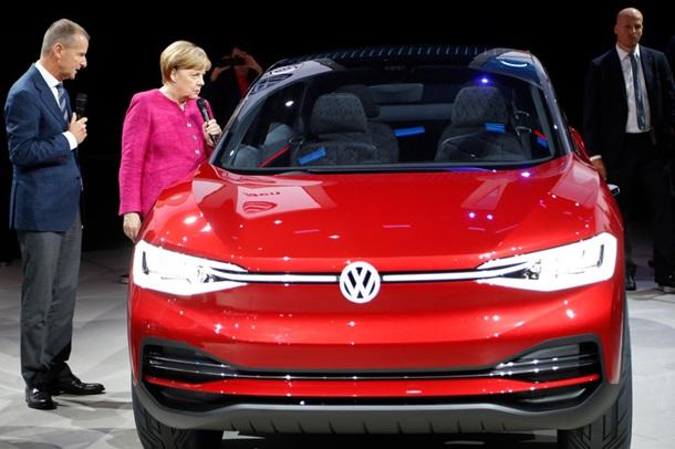 Концептуальный автомобиль БМВ iVision Dynamics намекнул нановый электрокар