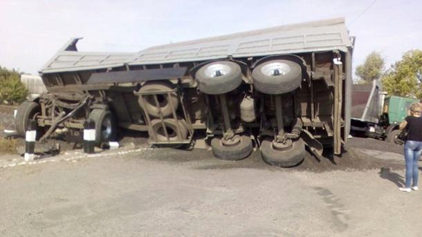 Грузовой автомобиль столкнулся споездом вХарьковской области, есть пострадавшие