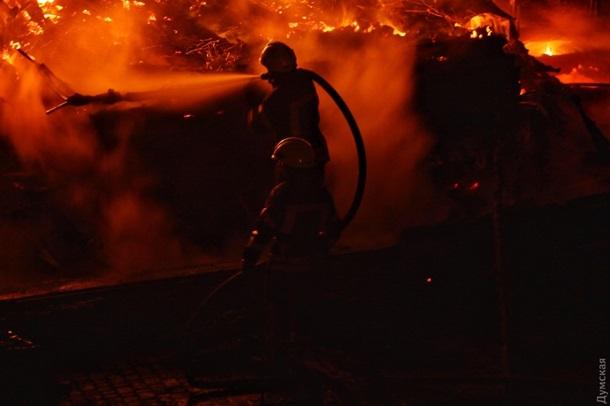ЗМІ: На місці пожежі удитячому таборі вОдесі знайшли два тіла