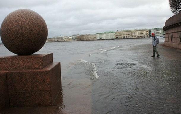Петербург приходит в себя после шторма Святой Иуда