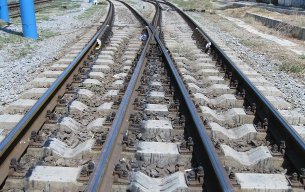 Новости Ровенской области - ДТП - поезд - трактор - гибель - В Ровенской области из-за столкновения с поездом погиб водитель трактора