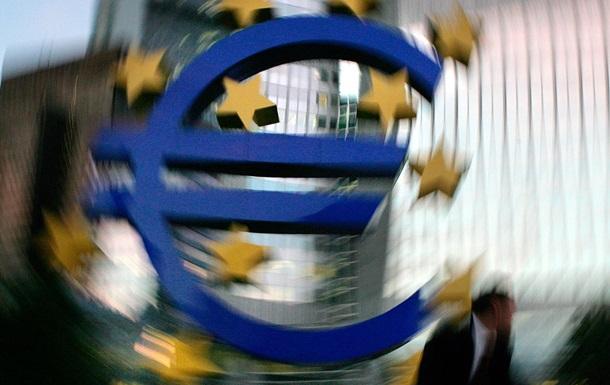 Доллар и евро подавляют гривну на межбанке