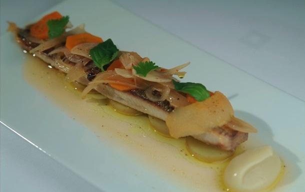 Рыбный день. Рецепт сельди, тушенной в оливковом масле с шалотом, от повара Свена Эрика Ренаа