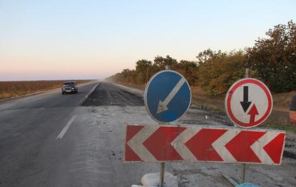 Водителей предупреждают об ограничениях движения на Одесской трассе